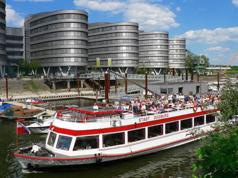 Stadt Duisburg im Innenhafen ©WEISSE FLOTTE DÜSSELDORF DUISBURG GMBH