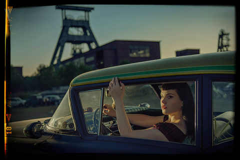 Cars & Girls - © Robin Preston