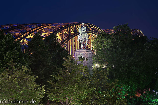 Langzeitbelichtung in Köln, © Olav Brehmer