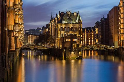 Langzeitbelichtung in der Hamburger Speicherstadt © ZOLAQ