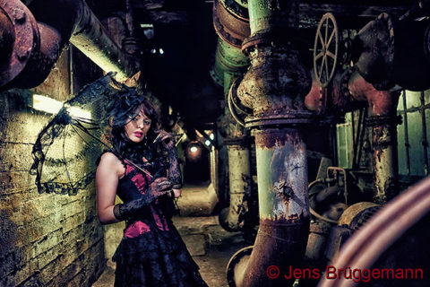 Beauty- und Porträtfotografie mit Steampunkt & Burlesque-Outfits, © Jens Brüggemann