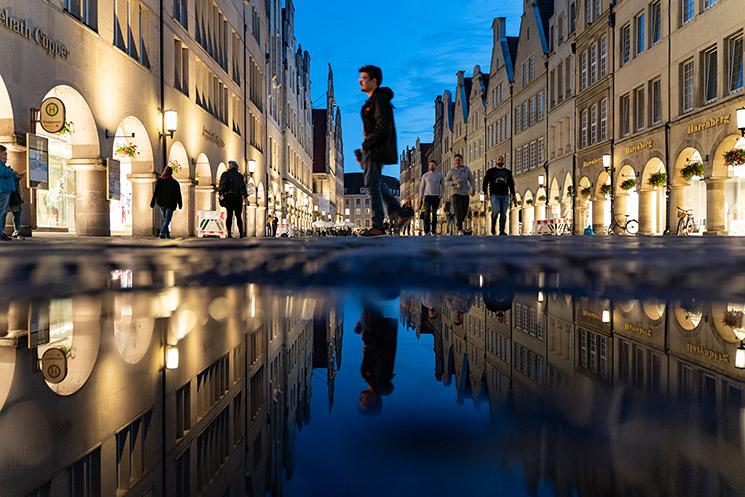 Nachtfotografie ohne Stativ - Licht aus, Spot an! © Klaus Wohlmann