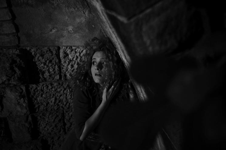 Schwarzweiß bei schwachem Licht... Out of the Box (c) Paul Leclaire